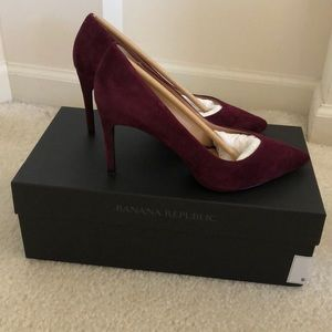Banana Republic Heels. Burgundy. Size 6. New!